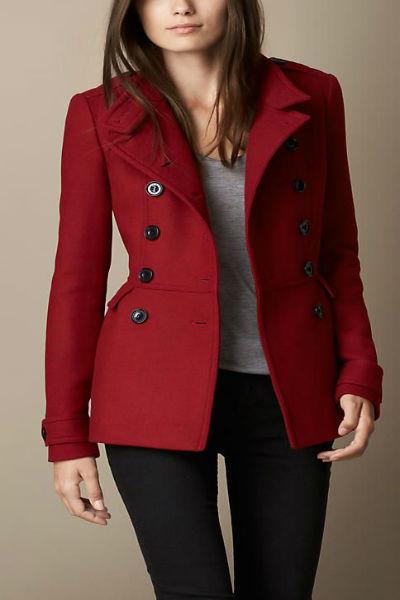 Áo măng tô nữ màu đỏ đô