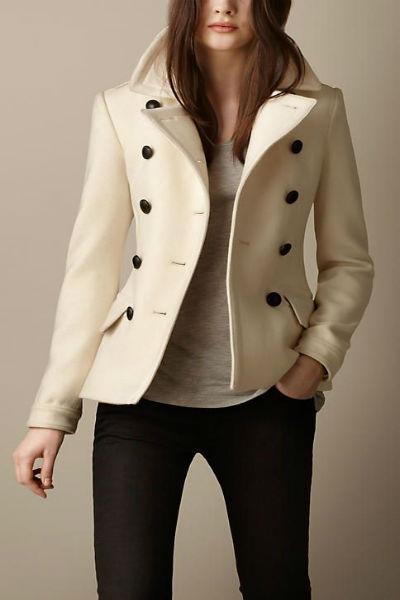 Áo măng tô nữ màu kem