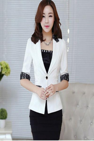 Áo vest nữ màu trắng phối họa tiết